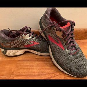 Brooks sneakers